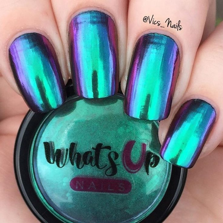 Use this ultra fine powder of green, gold and blue to give your nails an amazing multi chrome effect with ultimate shine and beauty.