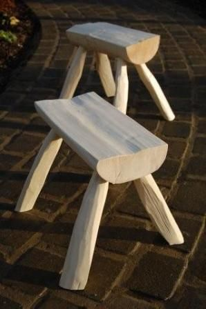 green woodworking stools...I'd love to have a few of these to sit around the camp fire on.