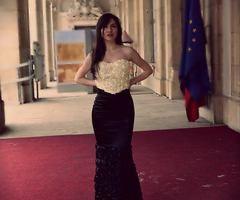Dress: Laura Lupu