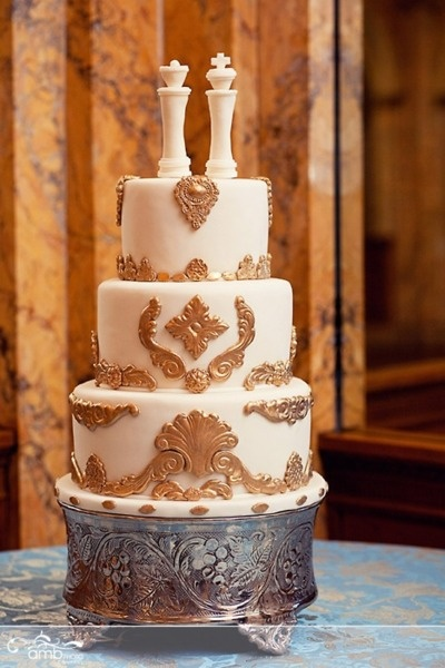 Indian Weddings Inspirations. Gold wedding cake. Repinned by #indianweddingsmag indianweddingsmag.com #chess