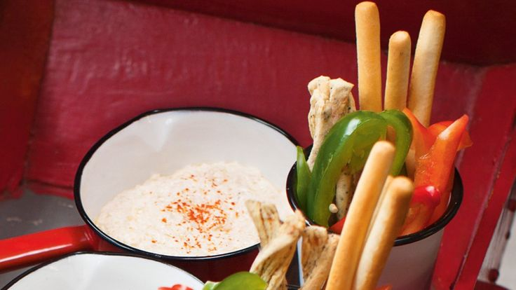 Une recette de trempette chaude au crabe, présentée sur recettes.zeste.tv