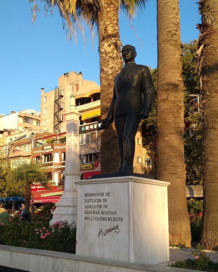 Atatürk statue and martyrs monument-Bandırma-Balıkesir