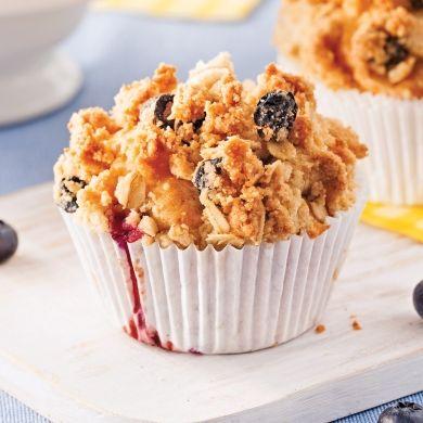 Muffins aux bleuets avec crumble - Recettes - Cuisine et nutrition - Pratico Pratique