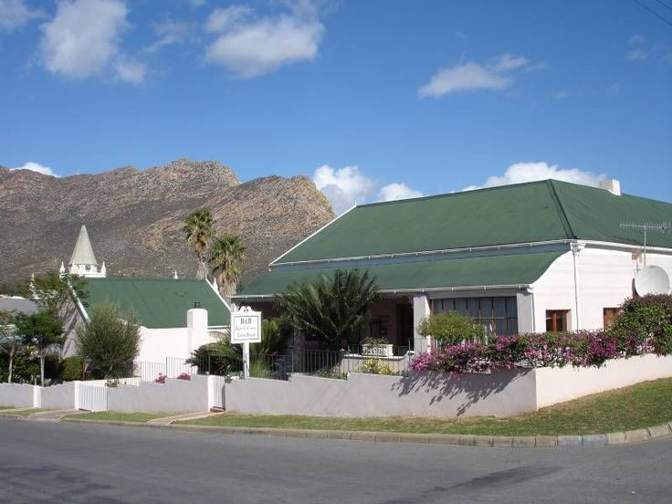 Squirrel's Corner Guest House - Accommodation in Montagu is varied and offers something for everyone, and when you travel up the quiet, picturesque Bloem Street in Montagu, you will encounter one of the most established accommodation ... #weekendgetaways #montagu #southafrica