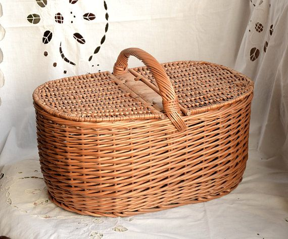 Large Picnic Basket, Wicker Picnic Basket, Willow Basket, Traditional Picnic Basket, Lidded Basket, Handwoven Picnic Basket, Willow Picnic