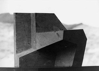 """Poliedro abierto"". Stone. 1958. J. Oteiza."