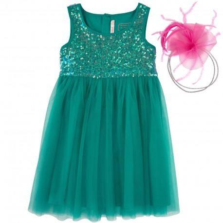 Magnifique robe vert menthe par Billieblush avec un corsage à paillettes qui attire la lumière et donnant des reflets.  La jupe est faite de couches de doux filets de tulle avec une doublure en coton. Elle est livrée avec un serre tête paillettes argent et garnie d'un tulle et fleur de plume rose fluo.   100% polyester (tulle) Doublure: 100% coton (toucher doux) Lavage en machine (30 * C) Tailles 4-12 ans comprend un serre tête plumes