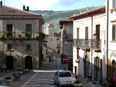 PESCOCOSTANZO,ITALY-- A VIEW FROM THE CENTRAL PIAZZA TOWARD THE BASILICA.