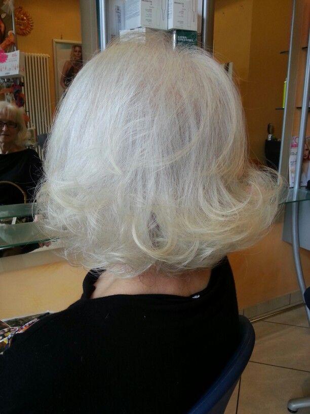 Un look anche per i capelli bianchi!!