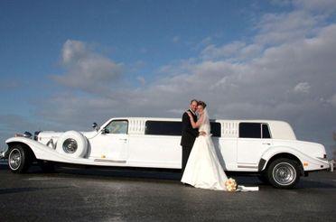 Excalibur limousine, Willy's Trouwauto's