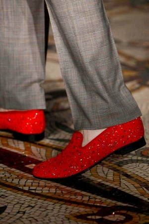 Ohhhhhh---more red shoes! <3  Richard James Spring Summer Menswear 2013 via www.nowfashion.com