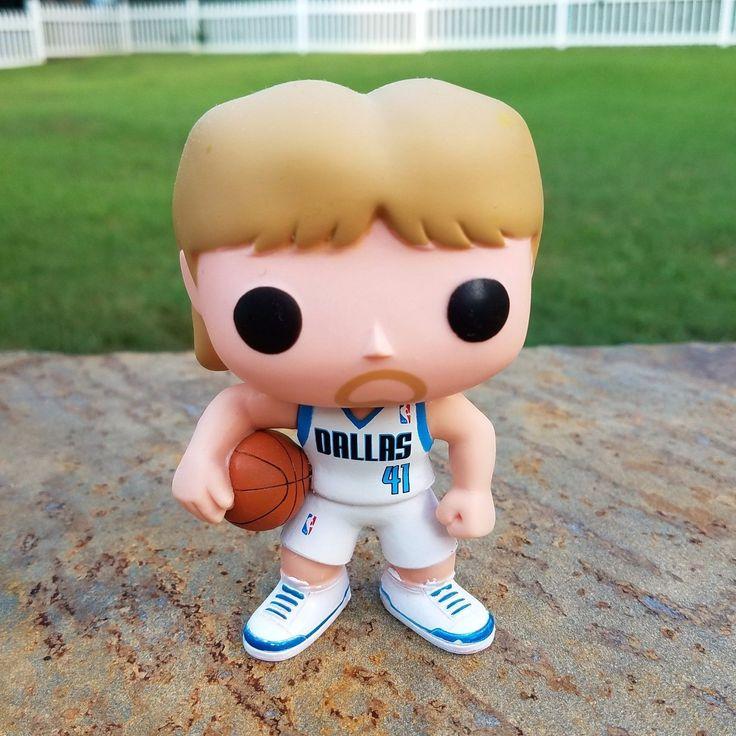 Funko Pop NBA: Dirk Nowitzki Dallas Mavericks VAULTED no box great condition