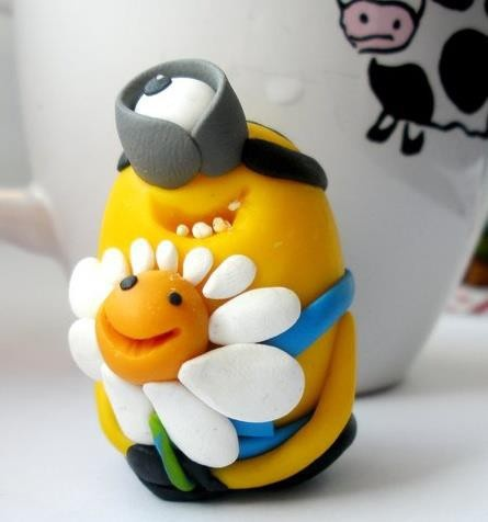 A minion with a daisy. My favorites!
