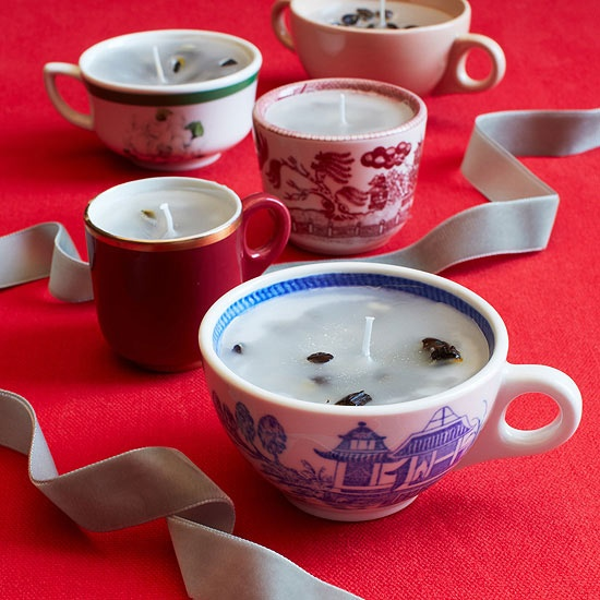 Another homemade gift idea: scented tea cup candles!
