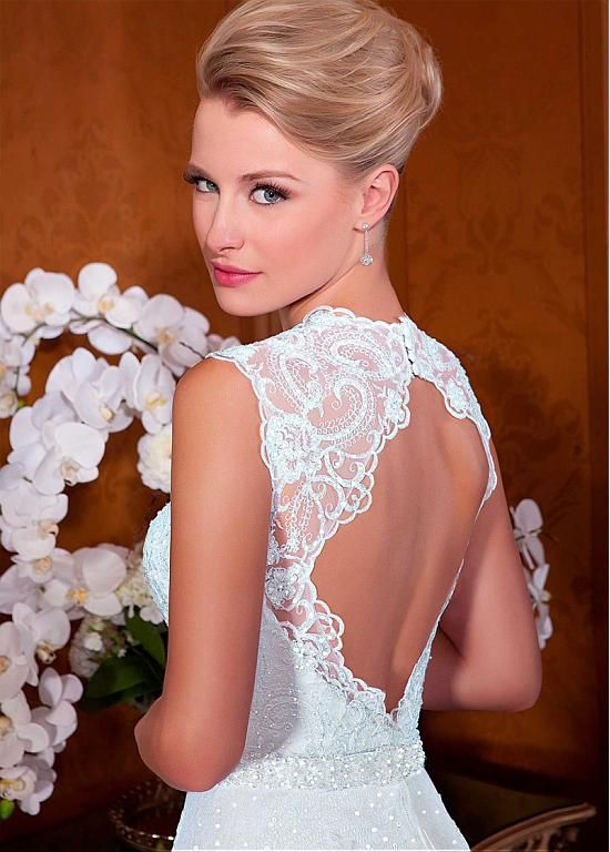 Marvelous tulle queen anne neckline a line wedding dresses for Queen anne neckline wedding dress