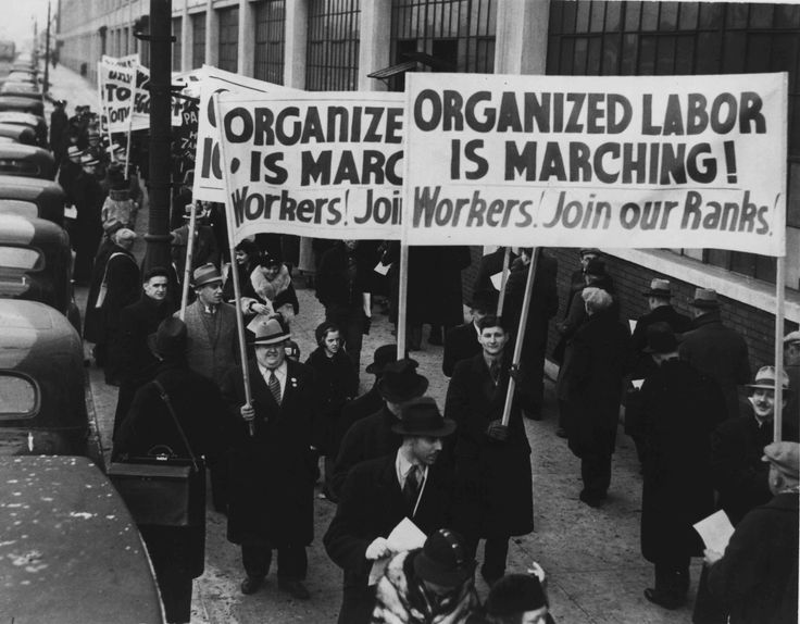 Unions grew very rapidly during the war but after a series of failed major strikes in steel, meatpacking and other industries, a long decade of decline weakened most unions and membership fell even as employment grew rapidly. Radical unionism virtually collapsed, in large part because of Federal repression during World War I by means of the Espionage Act of 1917 and the Sedition Act of 1918. The major unions supported the third party candidacy of Robert La Follette in 1924.