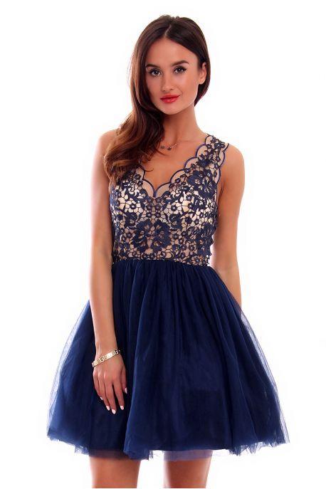 Pin By Kinga Z On Sukienka Na Wesele Sylwestra Impreze Studniowke Www Cosmosmoda Pl Dresses Fashion Graduation Dress