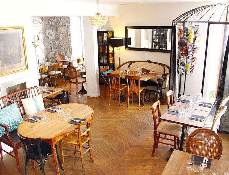 restaurant mademoiselle b avec les tables de nantes. Black Bedroom Furniture Sets. Home Design Ideas