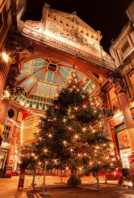 Christmas at Leadenhall Market, London. Add this to the list of places to visit next Christmas!