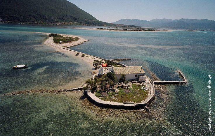 Agios Nikolas church Lefkada / Αη Νικόλα /  Ο Άγιος Νικόλαος, ένα μικροσκοπικό νησί, 3 χλμ πριν την είσοδο της Λευκάδας