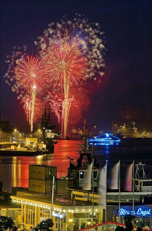Kieler Woche Feuerwerk fireworks marking the end of Kiel Week 2013 celebrations