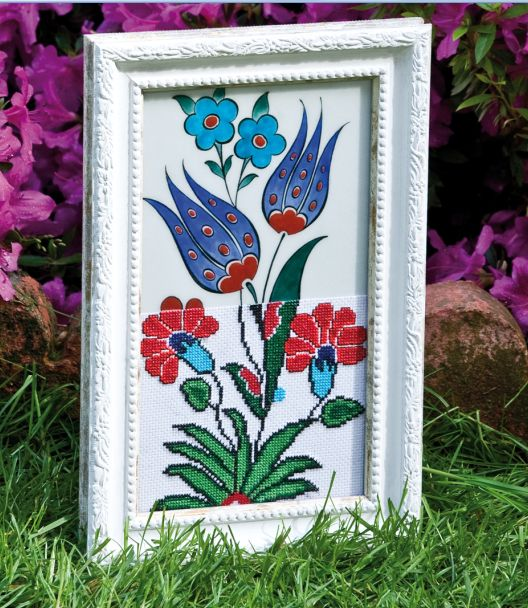 My İznik Chine Ceramic and Cross Stitch Design