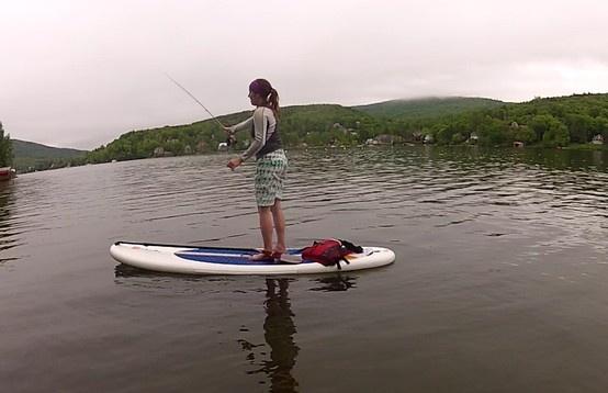 Première tentative de pêche à la mouche! Fly fishing on a paddle!