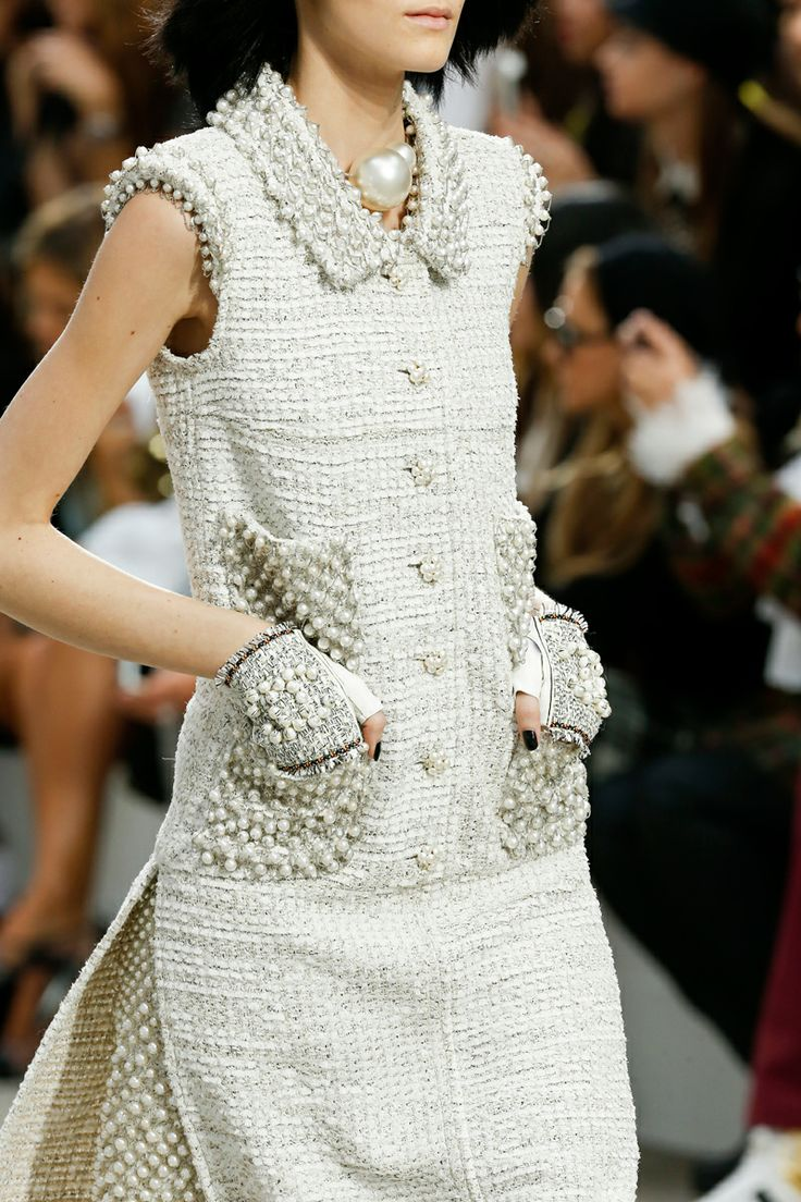 Chanel Spring 2014 RTW - Details - Fashion Week - Runway, Fashion Shows and Collections - Vogue