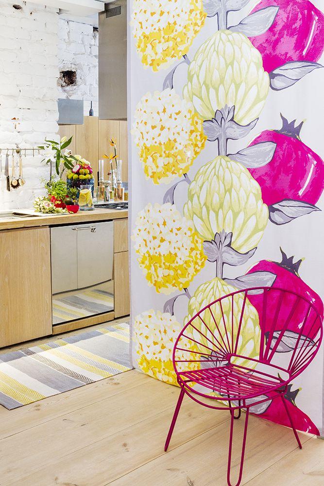 Vallila Artisokka fabric and Marjaniemi rug brightening a kitchen