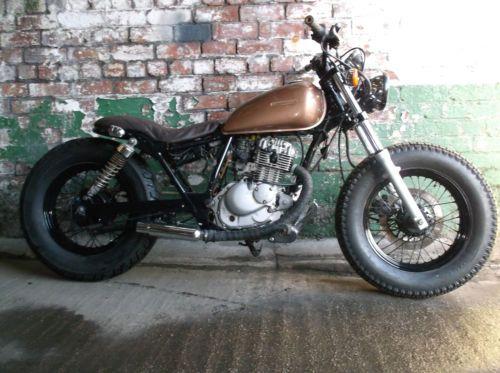 suzuki-marauder-gz-gn-125-custom-bobber-tracker-motorcycle