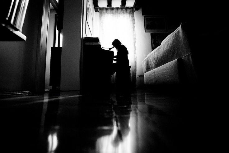 PLAYING PIANO by Matteo  Sigolo on 500px