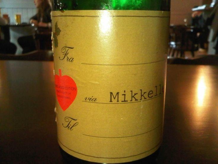 Cerveja Mikkeller Fra Via Til (From Via To) Bourbon Barrel Aged, estilo Wood Aged Beer, produzida por Mikkeller, Dinamarca. 8% ABV de álcool.