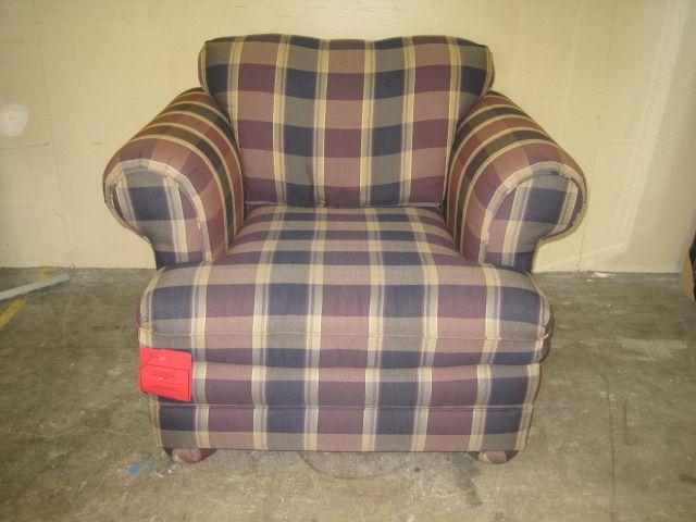 34 X 40 X 35 Plaid Upholstered Chair W/ Burgandy, Navy, Tan Fabric