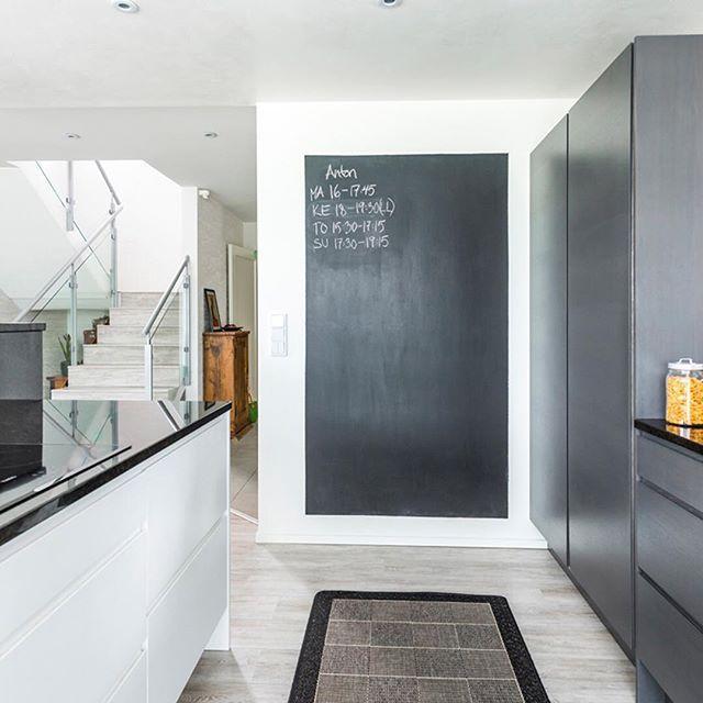 Arjen kiireitä voi helpottaa muistioseinä keittiössä. Aloita oman kotisi suunnittelu ja ota yhteyttä lähimpään Lammi-Kivitalo myyjään! Yhteystiedot löytyy nettisivuiltamme www.lammi-kivitalot.fi