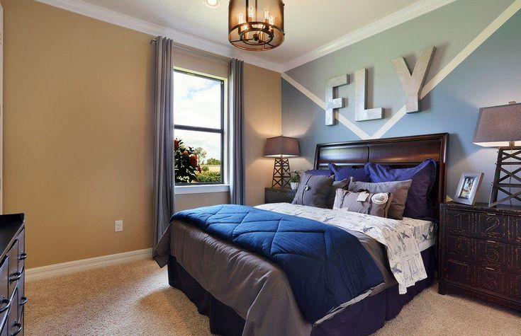 Transitional Kids Bedroom with Carpet, High ceiling, Pendant Light, Crown molding