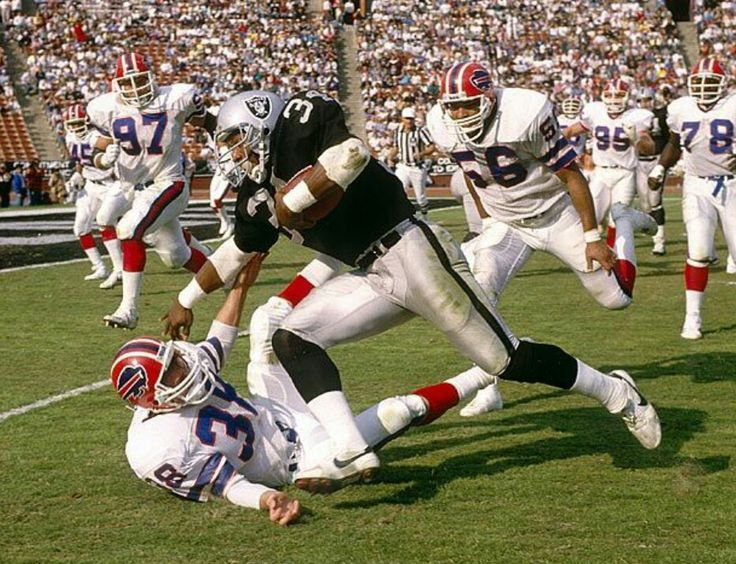 Heisman Trophy Winner Bo Jackson Oakland Raiders Los Angeles Raiders Silver and Black