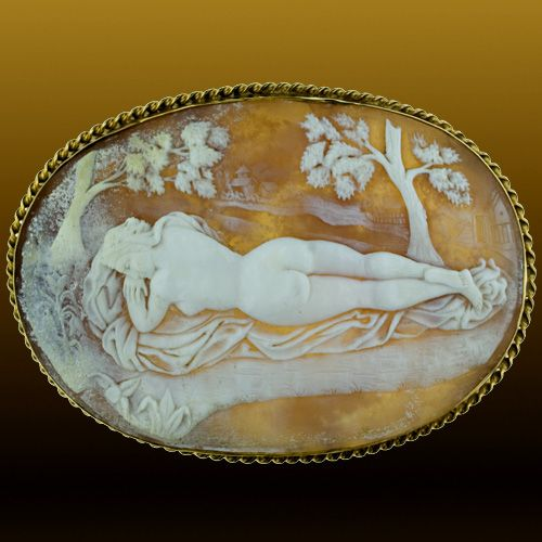 Nude Female Figure, Shell: Victorian.
