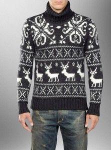 Вязаный спицами мужской свитер с оленями