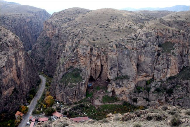 Armenian Highlands: Recent discoveries in Armenia is astounding the archeological community - September, 2014