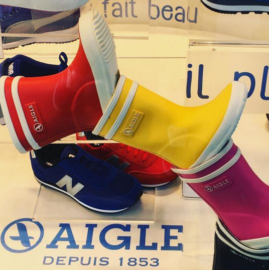 #bottesdepluie elles sont mignonnes les petites bottes de pluie @aiglefr !! Mais on a quand même envie de leur dire bye bye non ?! Et place aux sandales et aux espadrilles !!