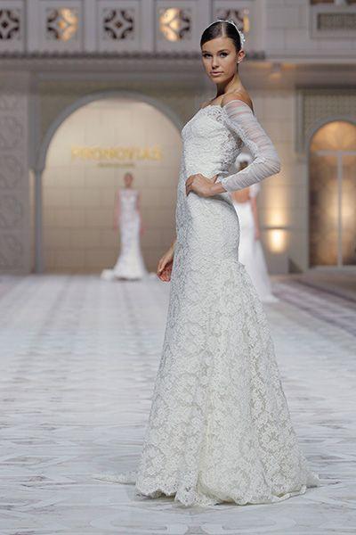 """#Wedding Gown Trends 2015 - """"Lace"""" from Pronovias 2015年のウェディングドレスのトレンド「レース」。今シーズンは、グレイス・ケリーやキャサリン妃のようなクラッシックな印象を残しつつ、レースの模様を強調し、より魅惑的なデザインが目を惹きます。"""