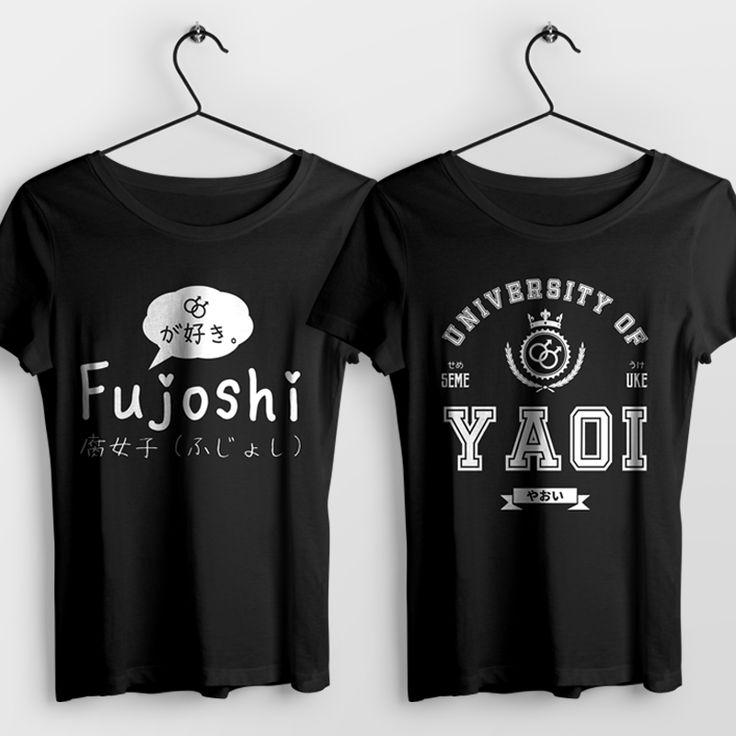 """Nadruk przygotowany dla wszystkich fanek klimatów związanych z krajem kwitnącej wiśni, języka japońskiego oraz...ekhm... dosyć specyficznemu gatunkowi japońskiej """"sztuki"""" (czy to w postaci anime czy mangi) jakim jest Yaoi. Jesteś wielką fanką gatunku Yaoi? A pojęcia typu uke lub seme nie są Ci obce? Nadruk będzie idealnym prezentem dla każdej """"Fujoshi"""" ;)  #anime #manga #otaku #fujoshi #yaoi #uke #seme #senpai #hentai #tshirt #t-shirt #koszulka #koszulki"""