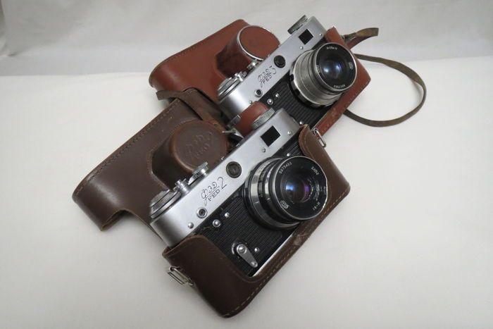 """FED-2 de USSR 1955-1970. Zeldzaam model. Als een geschenk van de FED-3. Vereniging """"FED"""" Kharkov. 1961-1979  Producent vereniging """"FED"""".Jaar van vervaardiging 1955-1970.Type meten van afstand camera.Fotografische materiële Film Typ 135.De framegrootte is 24  36 mm.Type gordijn-gleuf met posities van 1/25 tot 1/500 sluitertijd s """"B"""".""""Industar-10"""" 3.5 lens / 50Industar - 26M 28 / 50Industar-61 2.8 / 52Lens mount M39  1 / 288.Scherpstellen handleiding meetzoeker met een basis van 67 mm.Meting…"""