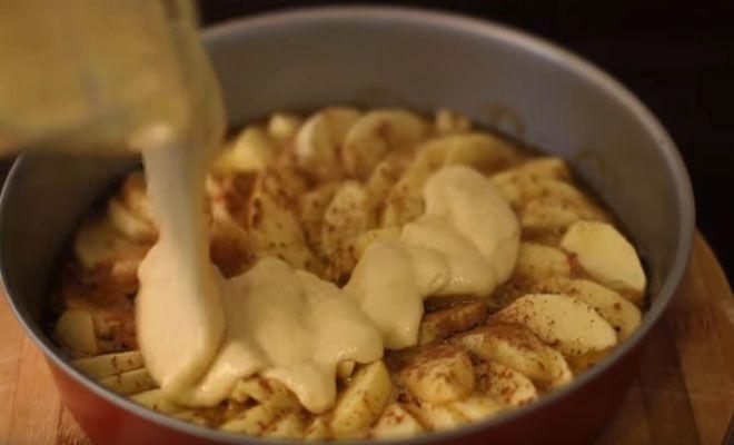 Αυτή η φρουτένια και νόστιμη συνταγή έρχεται από το Home Cooking Adventure και αφού είδαμε το τελικό αποτέλεσμα, ανυπομονούμε να το δοκιμάσουμε. Είμαστε σίγουροι ότι θα νιώσετε το ίδιο κι εσείς όταν το δείτε! Θα χρειαστείτε: 4 με 5 μήλα 1/4 κούπας + 1 κ.σ. βούτυρο 7 κ.σ. ζάχαρη 1 κ.γ. κανέλα σε σκόνη Για […]