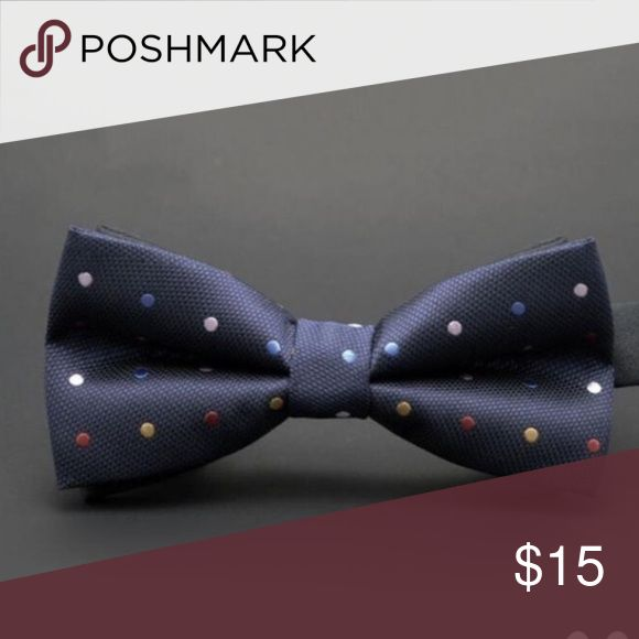 ⚜️Multicolor Bow Tie⚜️ Multi color bow tie is adjustable. It's blue with color polka dots. Wraps around the neck. Accessories
