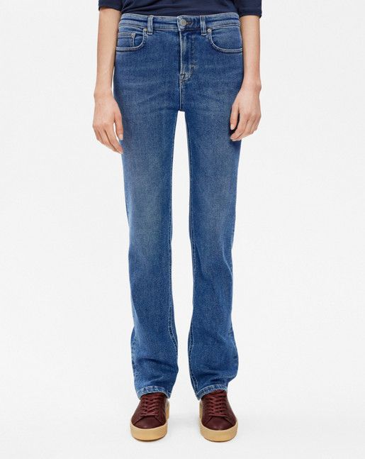Classic and clean jeans that sits slim over the hip with slightly higher waist, and then drops straight. Made from super stretch cotton for comfort and shape, in a soft blue wash that easily blends into your wardrobe. Woven in Turkey, washed in Romania. <