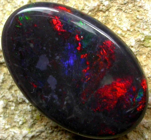 black opal stones | quality black opal stone -n 2 - 3.90cts [s1497 ]- Chronicles ring stone possibility.