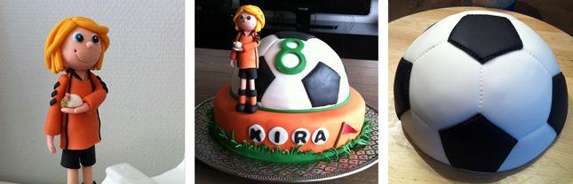 Voetbaltaart met halve voetbal en geboetseerde voetballer. Of eigenlijk voetbalster want het is een meisje.