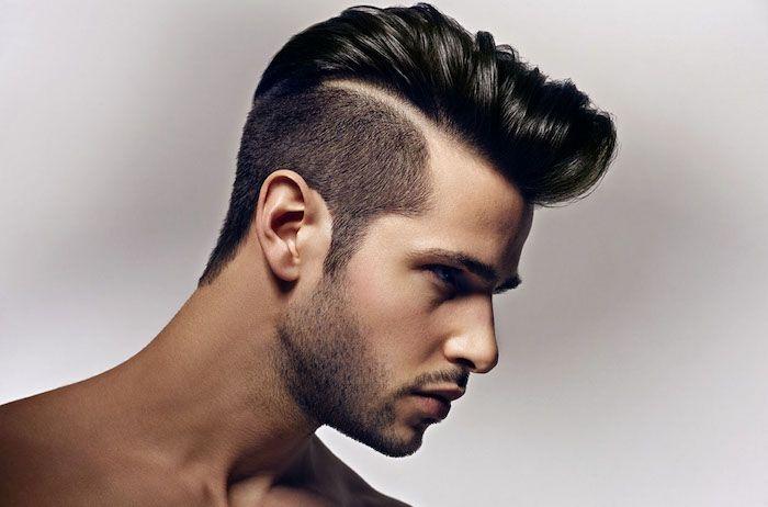dégradé américain homme, couleur de cheveux homme en noir, barbe naissante et noire, coupe courte homme