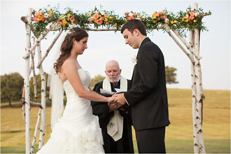 Gibbet Hill Barn Wedding - Deborah Zoe Photography Blog | The Barn at Gibbet Hill | Groton, MA #farmtofork #rusticwedding #barnwedding #newenglandwedding #grotonma #barnatgibbethill